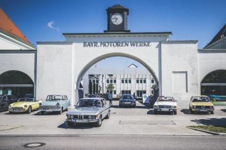 Beliebtes Oldtimertreffen an jedem ersten und dritten Samstag im Monat zwischen Mai und Oktober in der BMW Group Classic. // Start am 4. Mai 2019. // Motorräder und Automobile aller Marken sind willkommen. // Gäste, die mit Old- und Youngtimern anreisen
